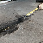 Pothole at 301–399 Date St
